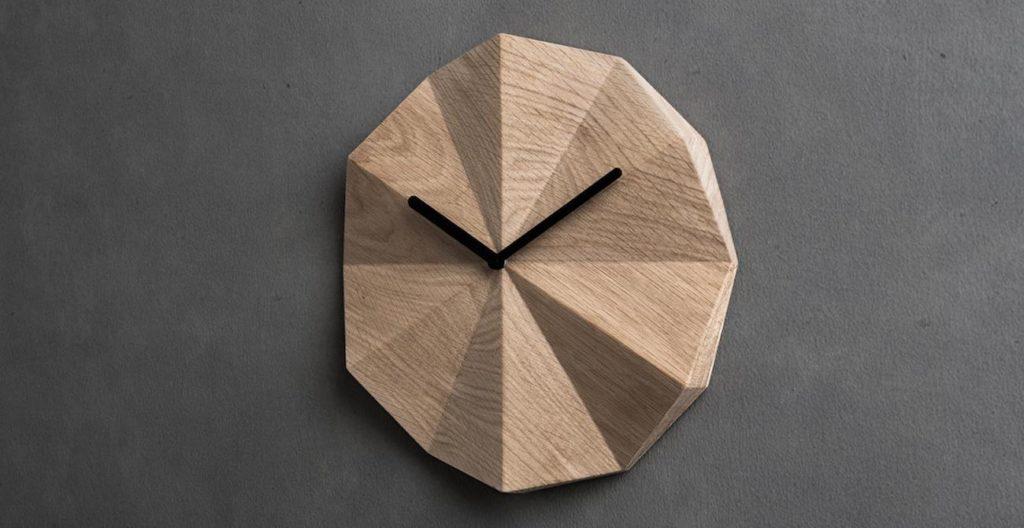 wood lends clock