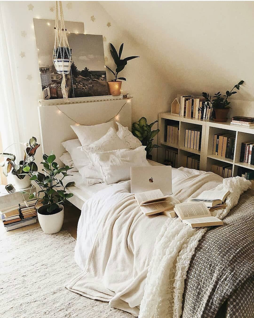 Makeover Your Small Bedroom
