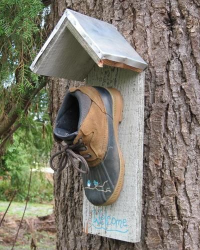Make an abode for birds with old shoes