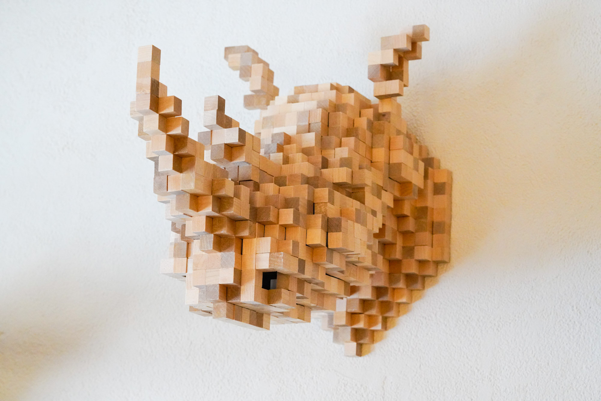 Pixelated Animal Head Structures for Home Decor