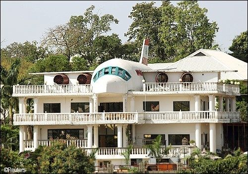 Love For Aviation And Architecture
