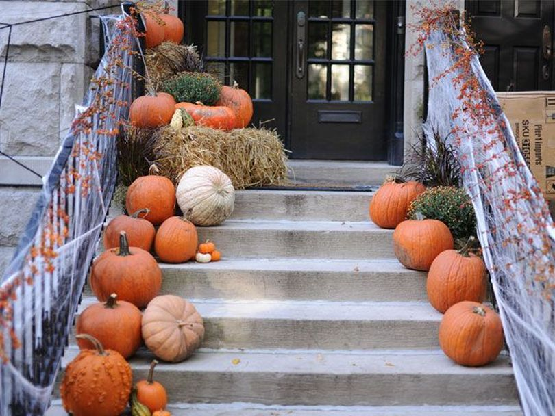 Line Pumpkins on the Staircase