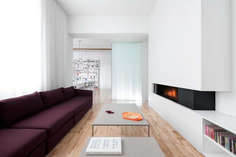 Minimal gas fireplace
