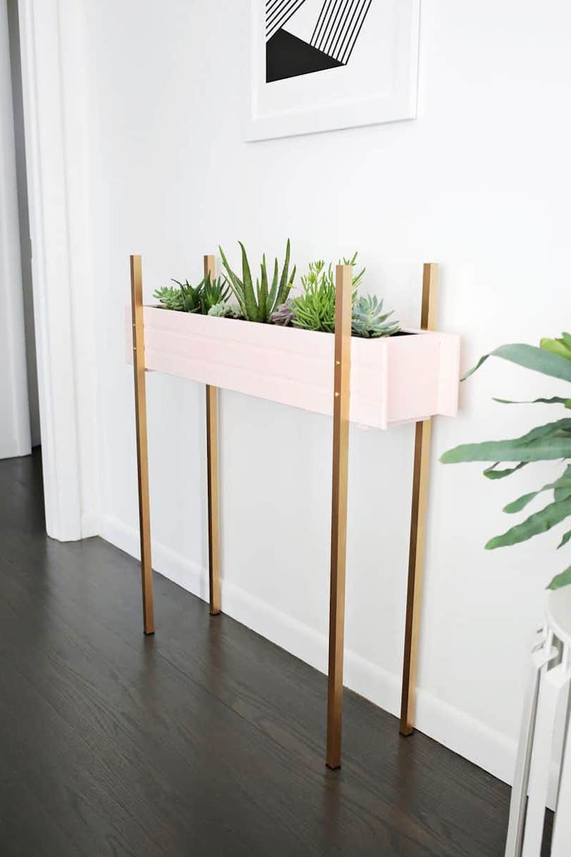 DIY Skinny Planter Stand