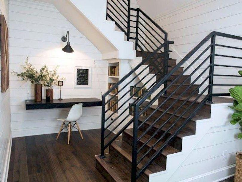 Black Stair Railing For Modern Flair