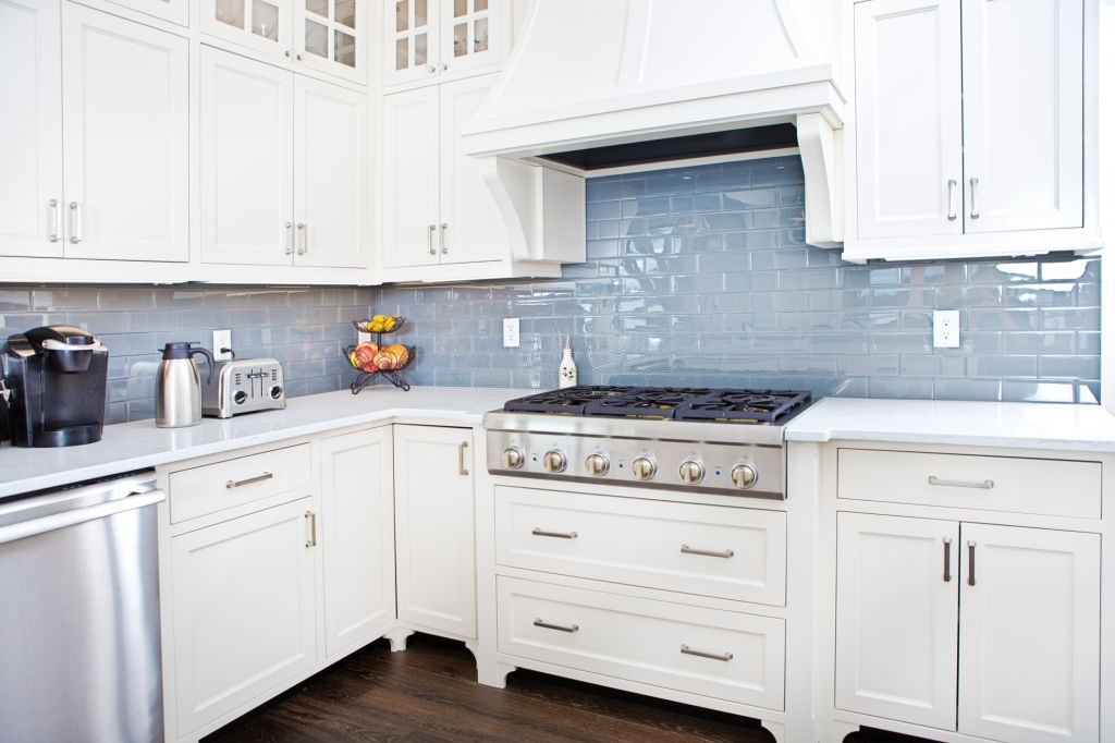 Make kitchen spotless in a flux
