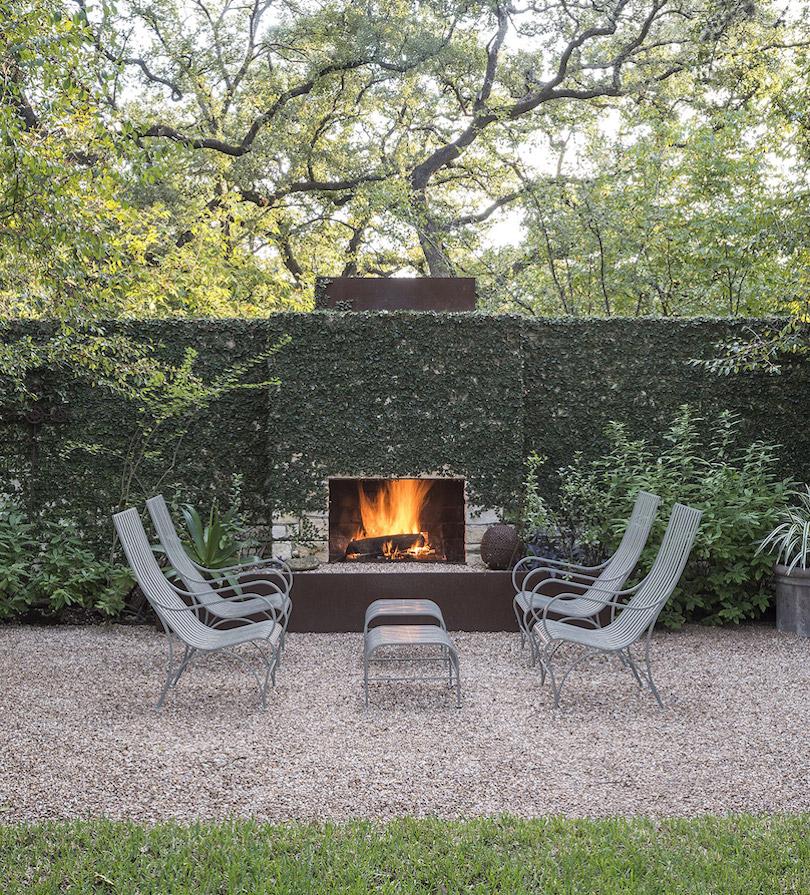 Minimalist Garden Area