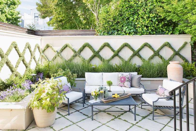 Decorate Outdoor Wall With Natural Greenery